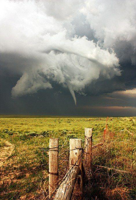 美風暴追逐團親身拍攝的超級風暴